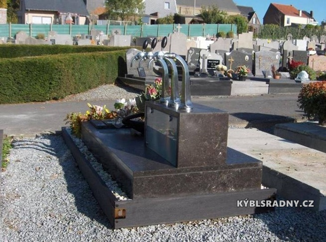 Láska až za hrob