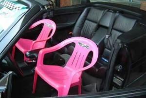 Zajímavé sedačky v autě