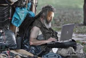 Bezdomovec - počítačový maniak
