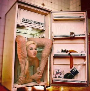 Hadí žena v lednici