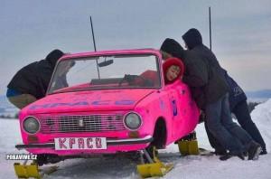 Jedeme autem po sněhu