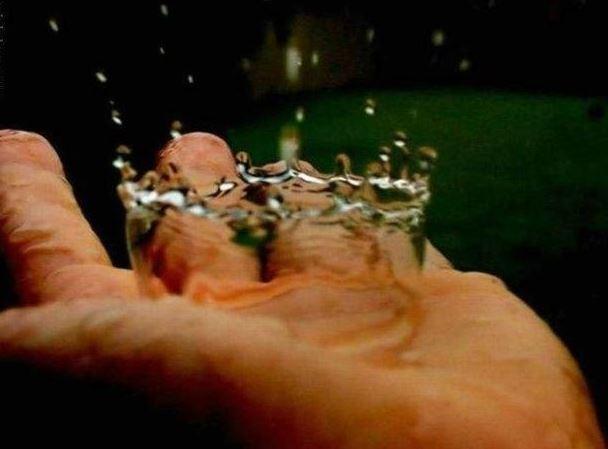 Zajímavý dopad kapky vody