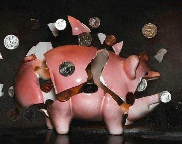 Když se rozbije prasátko s penězma