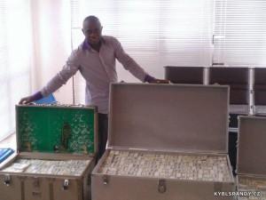 Kufry plné peněz