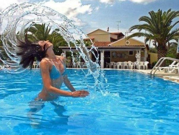 Momentka v bazénu