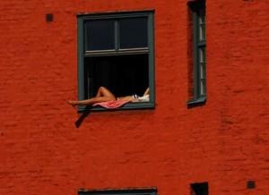 Okenní opalovačka