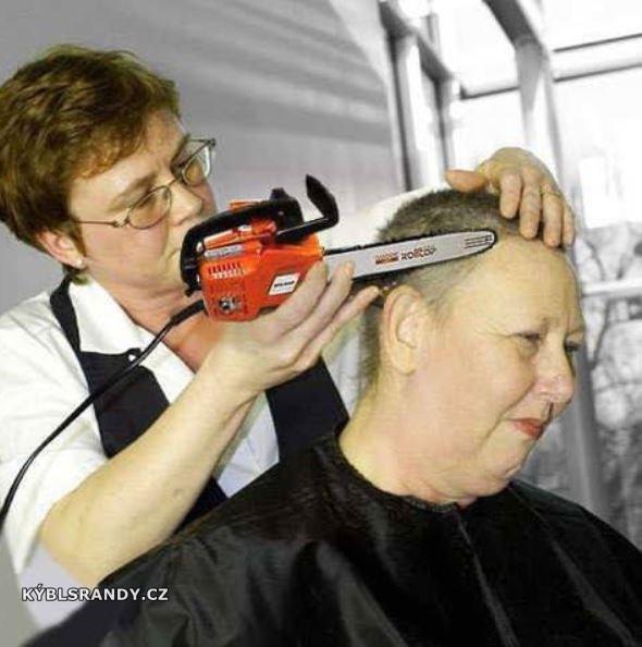Otříháme vlasy motorou pilou