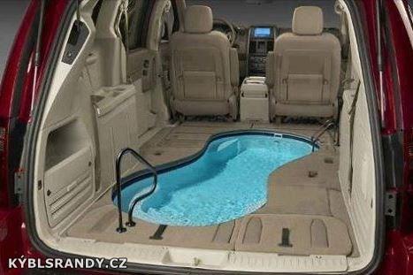 Pojďme se vykoupat v autě