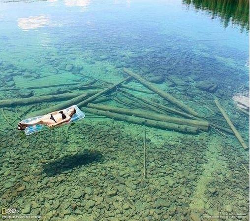 Neuvěřitelně průzračné jezero