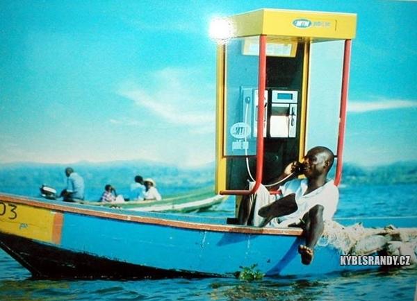 Telefonování z loďky není problém