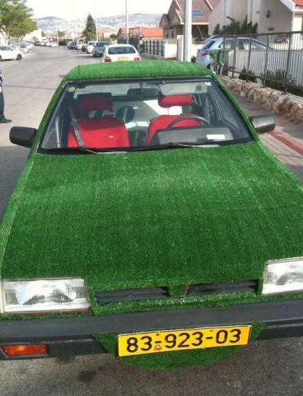 Trávníkové auto